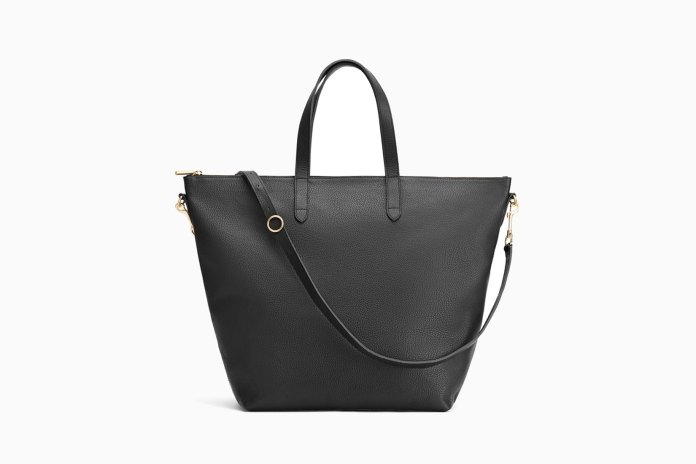 11 Best Travel Tote Bags: Smart & Stylish Carry-On Bags (2021)