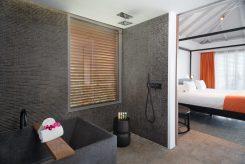 Max VanderNoot - Christopher Hotel