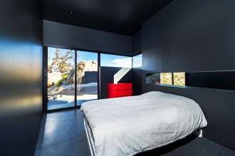 Le Black Desert House