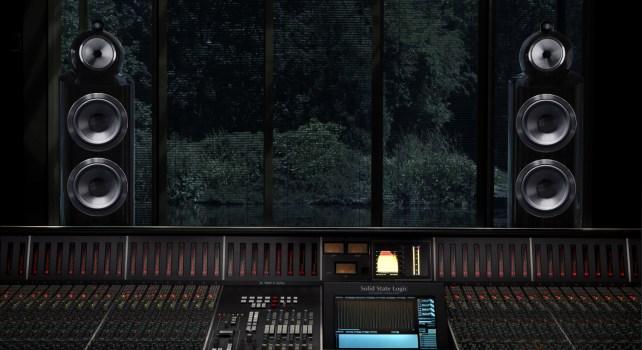 Bowers & Wilkins 800 D3 : Une enceinte haute performance pour les audiophiles