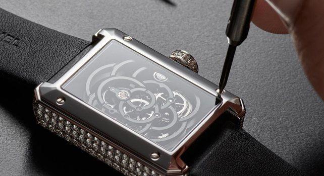 Chanel Première Squelette Camelia : Une montre pour les romantiques