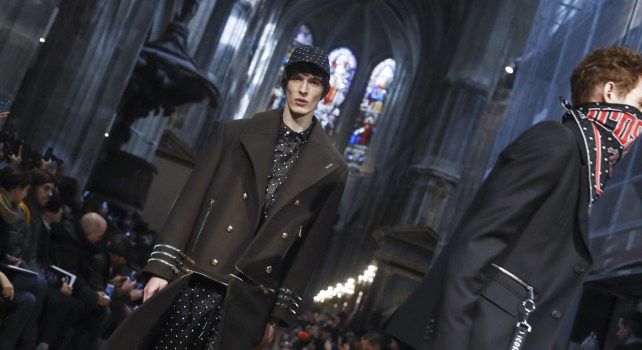 Icosae Automne/Hiver 2018 : Entre streetwear et élégance, une collection à l'image d'une génération