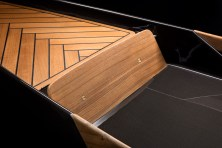 BorromeodeSilva-Monocoque-Paddle-Canoe5_Luxe