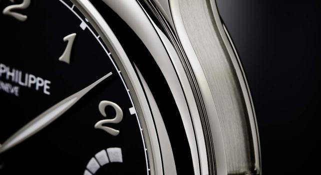Patek Philippe Grande Sonnerie référence 6301P : La première montre sonnerie de l'horloger de luxe