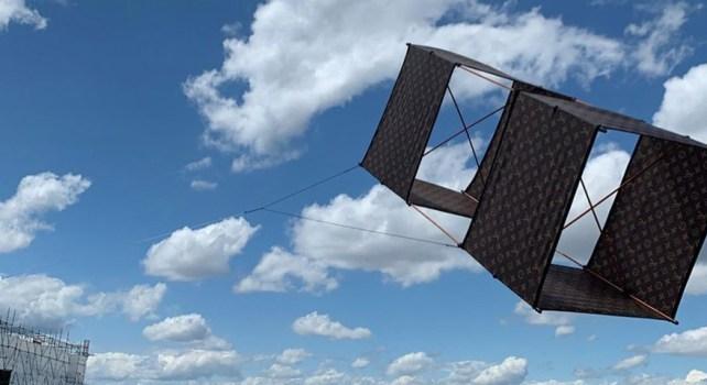 Louis Vuitton : Un cerf-volant monogramme à 7.050€