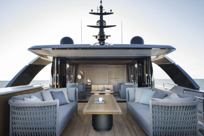The upper deck features great continuity between the uncovered aft deck and the enclosable skylounge