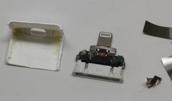 mini usb pinout diagram club car xrt 800 apple's lightning to 30-pin adapter torn apart, reveals several chips and copious glue - mac rumors