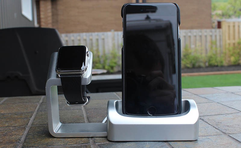 Duet Premium Two-in- Stand Apple Watch