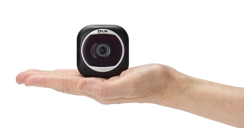 Omaggio di MacRumors: Vinca una videocamera di sicurezza della casa del Flir FX