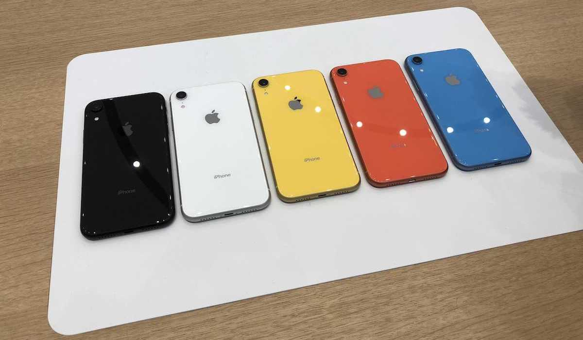 iPhone XR HandsOn Vibrant Colors Solid CameraDisplay and Cheaper Price Should Entice Many Users  MacRumors