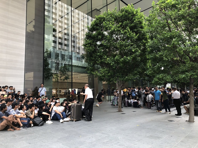 Image result for singapore iphone 11 launch people q