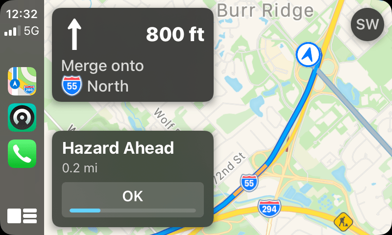 Hazard notifications in Maps for CarPlay.