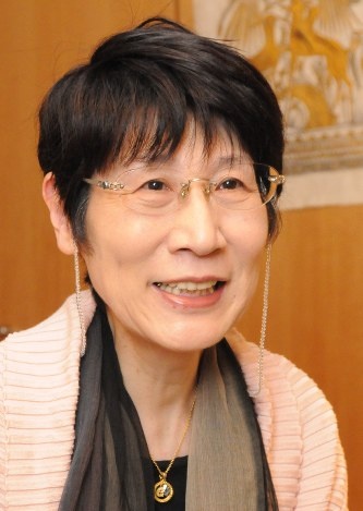 訃報:作家の津島佑子さん死去68歳 太宰治の次女 - 毎日新聞