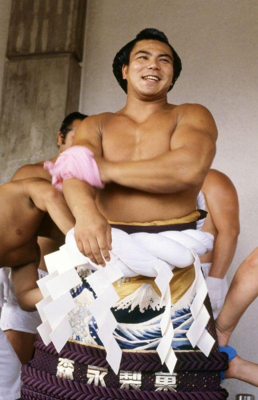小さな大橫綱「千代の富士」のかっこいい高畫質な畫像・壁紙 ...