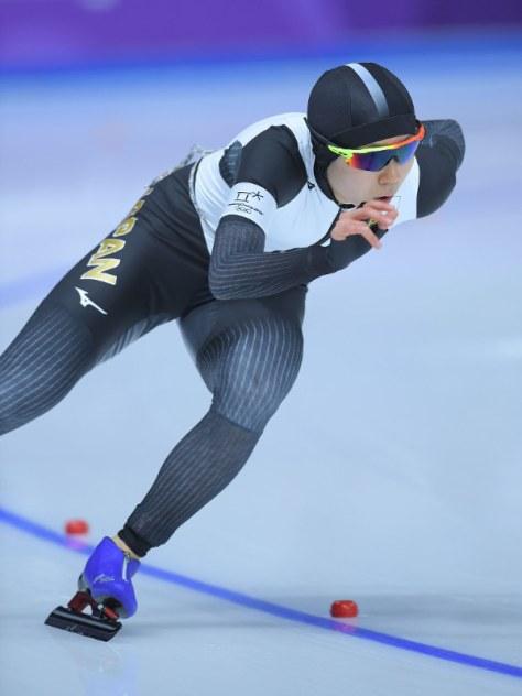 女子1000メートルで滑走する高木美帆=江陵オーバルで2018年2月14日午後8時6分、手塚耕一郎撮影