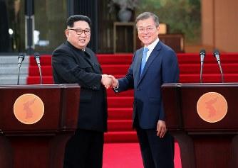 南北首脳會談:板門店宣言 「半島の非核化、目標」 年內終戦目指す - 毎日新聞