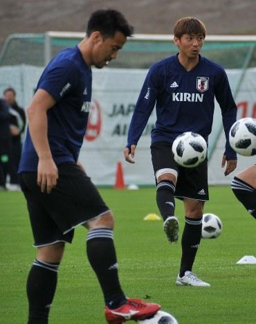 ロシアW杯:サッカー 西野J、全員一丸で 乾と岡崎、復活 練習フルメニュー參加 - 毎日新聞