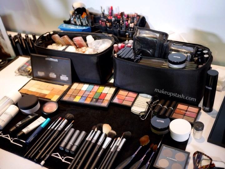 Pro Makeup Kit Tutorial Trick