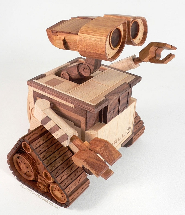 Wood Wall-e courtesy of make online