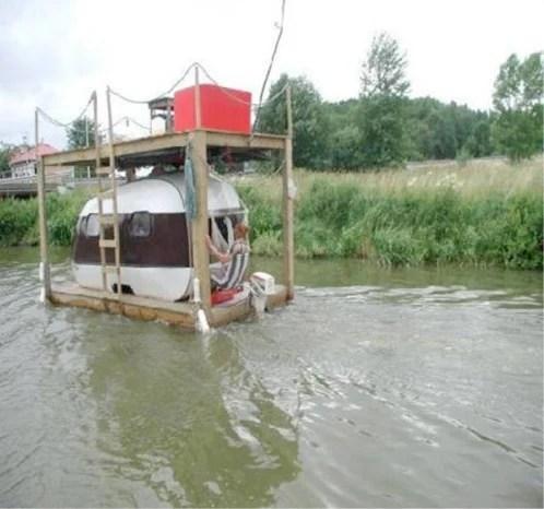 Redneck Houseboat