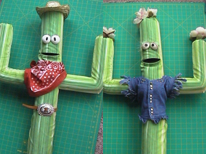 Cowboy Cactus Puppet Tutorial | Make: