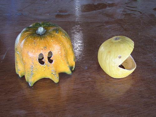 pac-man-pumpkins102407.jpg