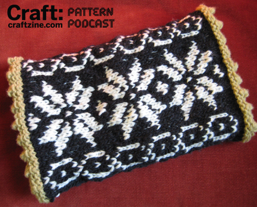 Old Fashioned Muff - CRAFT Pattern Podcast | Make: