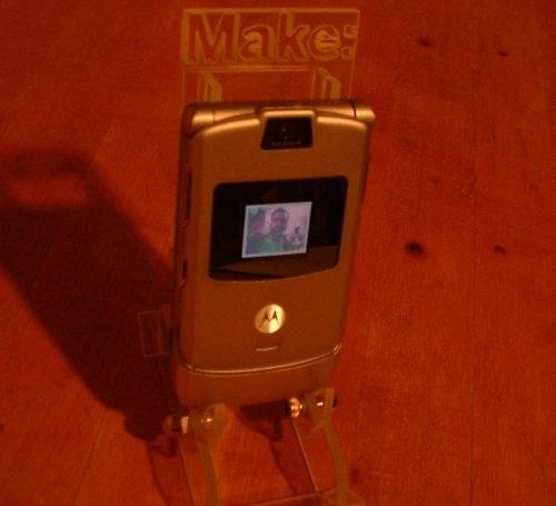 Users Pt Desktop Building-The-Razr-Cradle-With-Big-Blue-Saw Images Usingcameraphone