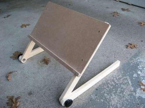 lapTopStand.jpg