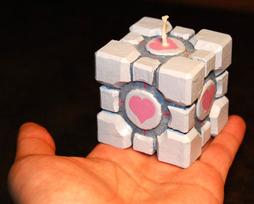 companion_cube_candle.jpg