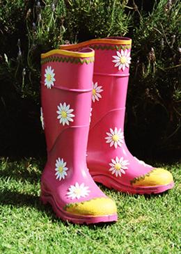 04 08 Gardening Boots 01