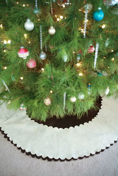 no_sew_tree_skirt.jpg