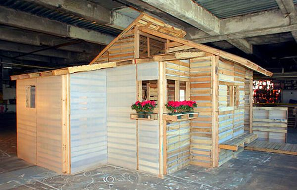 pallethouse.jpg