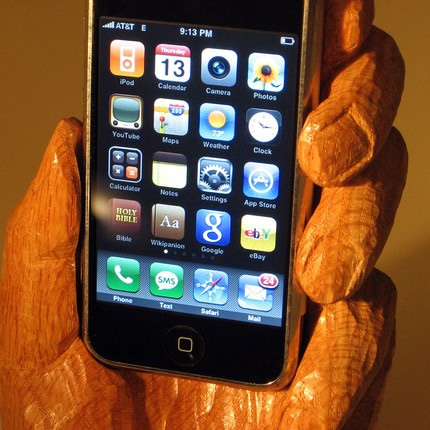 wood_carved_iphone_holder.jpg
