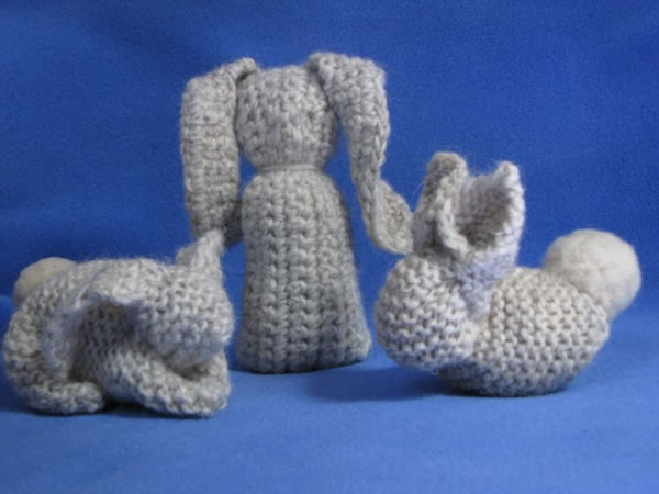bunnies_from_knit_square.jpg
