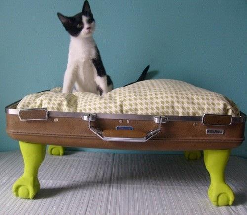 Vintage Suitcase Cat Bed | Make: