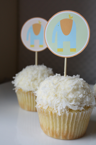 Alphamom Cupcake-Toppers