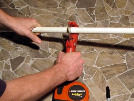 cutting_PVC_pipe.JPG