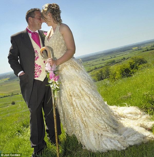 wool_wedding_dress.jpg