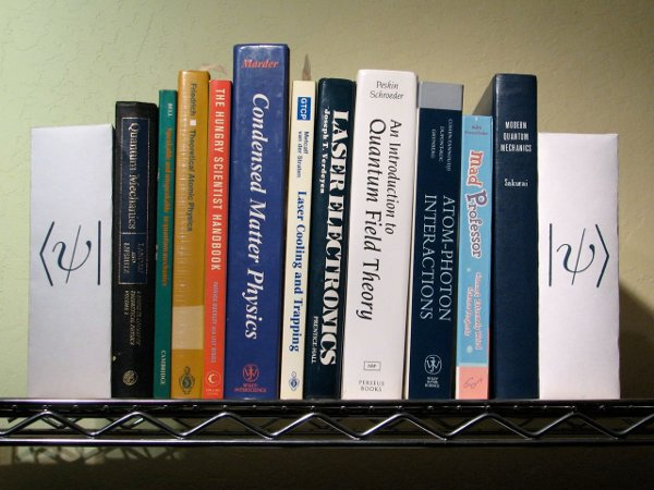 diy_geek_bookend.jpg