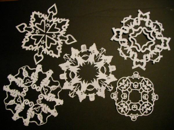instructablespapersnowflakes.jpg
