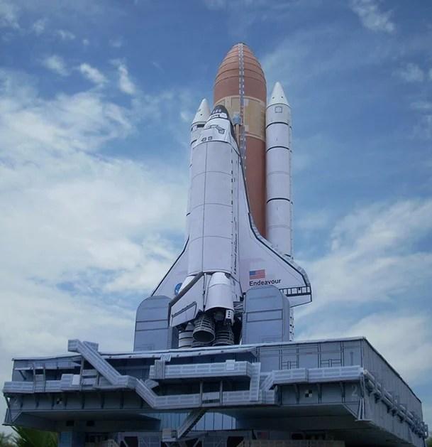 paper_scale_shuttle_model.jpg