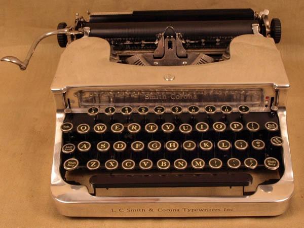 vintageTypewriter_1.JPG