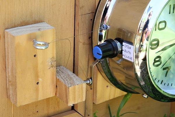 Automatic chicken coop door opener make for D20 chicken coop motor door
