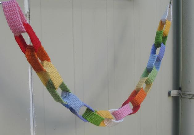 crochet_chain_garland.jpg
