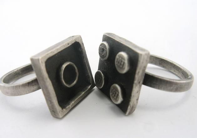 interlocking_lego_rings.jpg