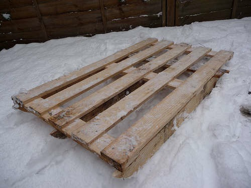 woodenpalettesled.jpg