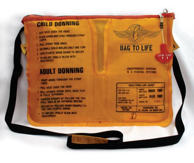 ehrensache-bag-to-life-rescue-vest-rettungsweste-1.jpg