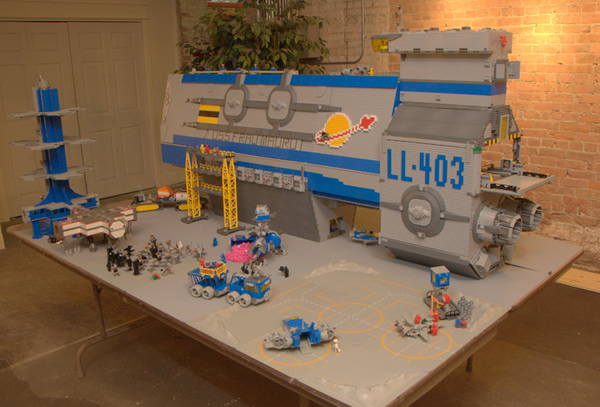 giant_lego_spaceship_JKnight.jpg