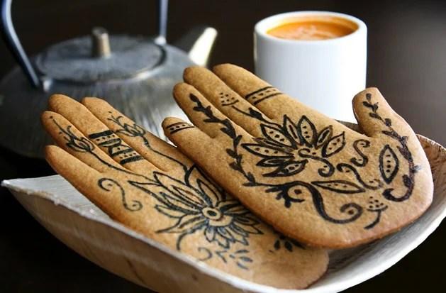 Mehndi Party Snacks : How to mehndi cookies make
